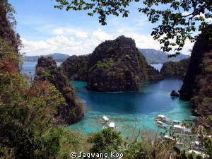 The Coron Island Of Philippines is famous for its breatht... by Jagwang Koo