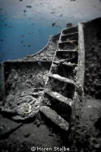 Stairs of Thistelgorm wreck.. by Horen Stalbe