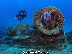 The Diver and the Wreck, St. Thomas. by Abimael Márquez
