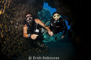 Diving together... by Erich Reboucas