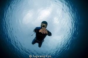 Diver in the Snell Window by Jagwang Koo