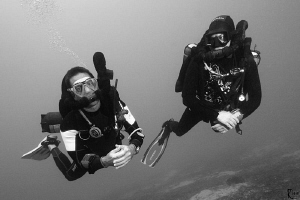 2 rebreather divers...... by Rico Besserdich