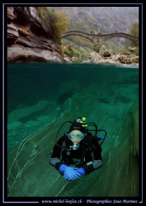 Diving the Verzasca River in Switzerland... Que du bonheu... by Michel Lonfat