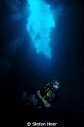 Virgin Blue Hole Palau - Nikon D90 and Uk-Germany Housing by Stefan Heer