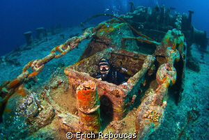 End of the tour inside the SS Thistlegorm, out of the cha... by Erich Reboucas