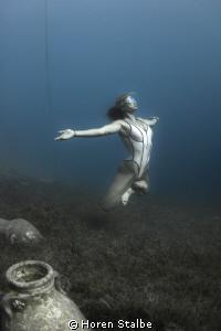 Free-yoga Tanya. Underwater nymph. She lives under the ... by Horen Stalbe