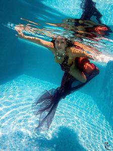 """fun in the pool"" :-) by Rico Besserdich"