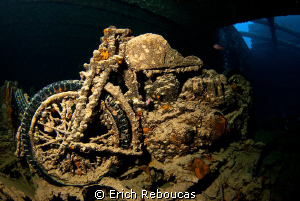Bikes are cool. Underwater bikes are cooler :) SS Thistl... by Erich Reboucas