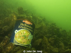 Some month's ago I found the secret of the green colour o... by John De Jong