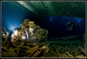 Motorbike on Thistlegorm with off camera strobe... by Dray Van Beeck