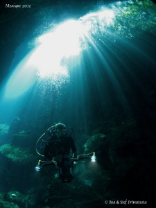 Beatrice in Ponderosa Cenote. by Bea & Stef Primatesta