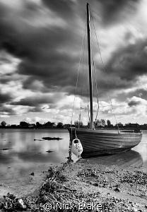 Ebbing tide at Bosham, West Sussex. Fuji S5 Pro, ND Filt... by Nick Blake
