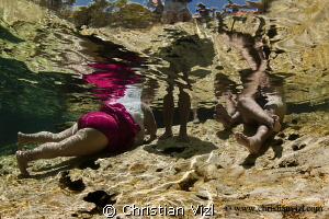 Typical mexican family spending their vacations refreshin... by Christian Vizl