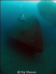 Buddy pair at Blue Water wreck by Ng Steven