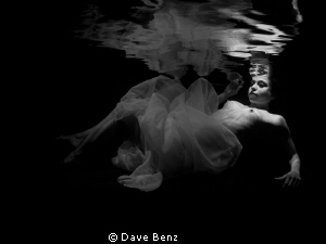 Underwater modelshooting with brazilian Model by Dave Benz
