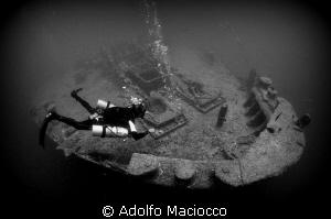 Sidemount diver on the Thistlegorm by Adolfo Maciocco