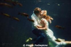underwater trash the dress in mexican cenotes by Marina Pochepkina