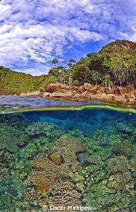 Raja Ampat PARADISE Nikon d70s and Nikkor 10.5 by Oscar Miralpeix
