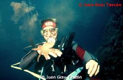 DIVER & OCTOPUS by Juan Grau Tascón