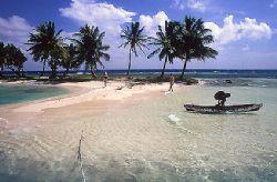 Rendez-vous Caye - Belize - Central America by Eduardo Lima