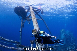 Diver enjoying her first dive of the new year on the Ex-U... by Ellen Cuylaerts