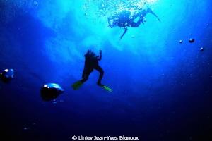 Azuma Maru site ,deco stop. by Linley Jean-Yves Bignoux