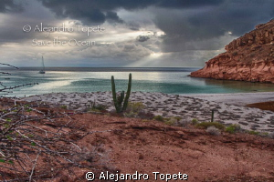 HDR Espiritu Santo Beach, La Paz Mexico  by Alejandro Topete