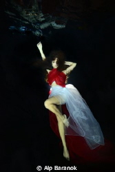 Underwater modelling. by Alp Baranok