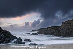 Barricane beach, near Woolacombe, Devon on a stormy day i... by David Stephens