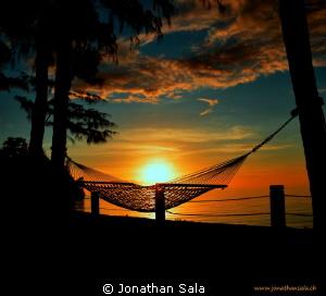 goog night.. sun by Jonathan Sala