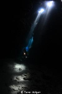 caves at jackfish alley by Taner Atilgan