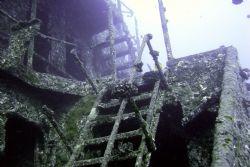 YO 257 Waikiki Hawaii ~90' depth. by Glenn Poulain
