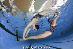 Synchronized swimming. by Sergiy Glushchenko
