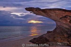 """WAI ISLAND : THE HEAVEN GATE"" by Isabella Maffei"