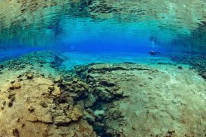 Silfra lagoon2 by Mathieu Foulquié
