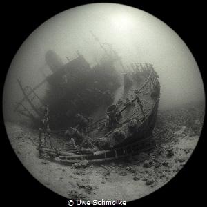 Taken with Ilfort 400ASA B&W film and 8mm circular fishey... by Uwe Schmolke