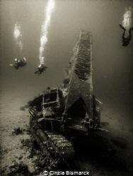 Divers around Million Hope wreck by Cinzia Bismarck