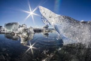 ice tear drop_Jökulsárlón by Mathieu Foulquié