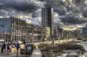 El Malecon(la Havana) by Mathieu Foulquié