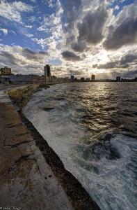 El Malecon (Havana) by Mathieu Foulquié
