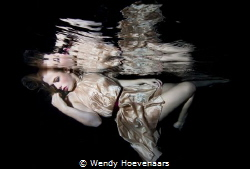 Model underwater by Wendy Hoevenaars