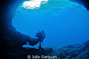 underwater thinker by Julio Sanjuan