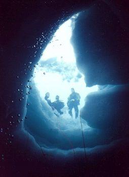 Sous glace / Lac Lioson - Suisse