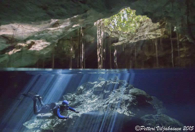 Cave split. Cenote Tajma Ha