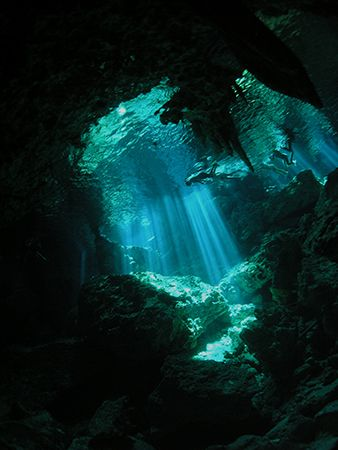 Dos Ojos Cenote. Snorkellers from downearth. Natural Light