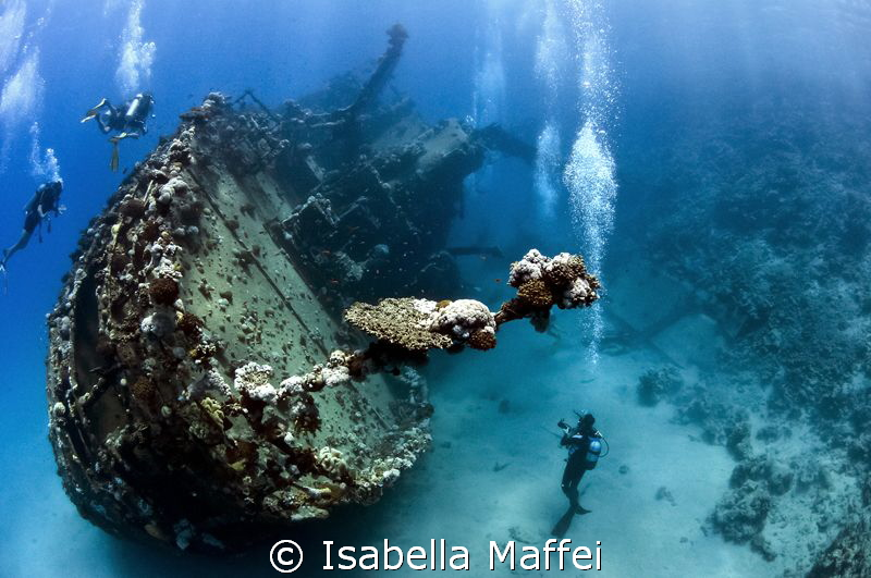 """DIVING EXPLORER""
