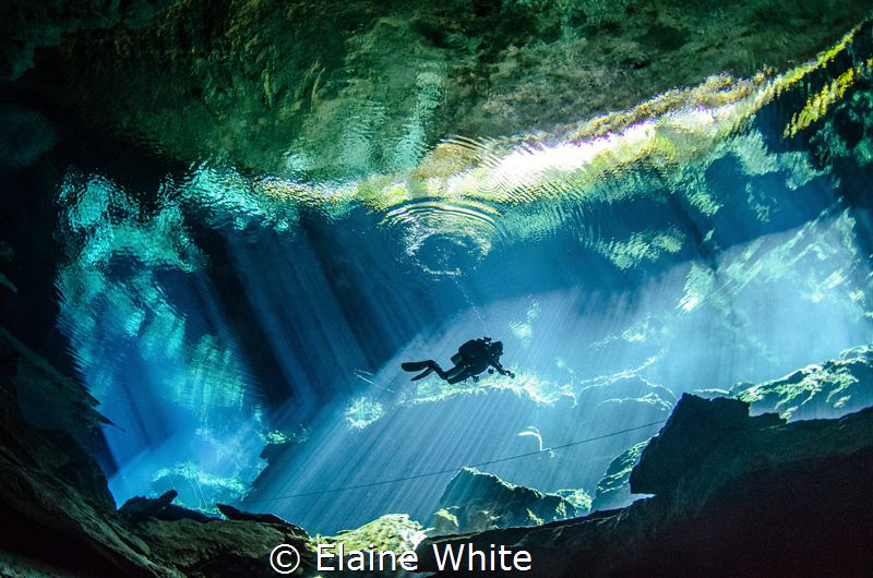 Light show in Kululkan, Cenotes